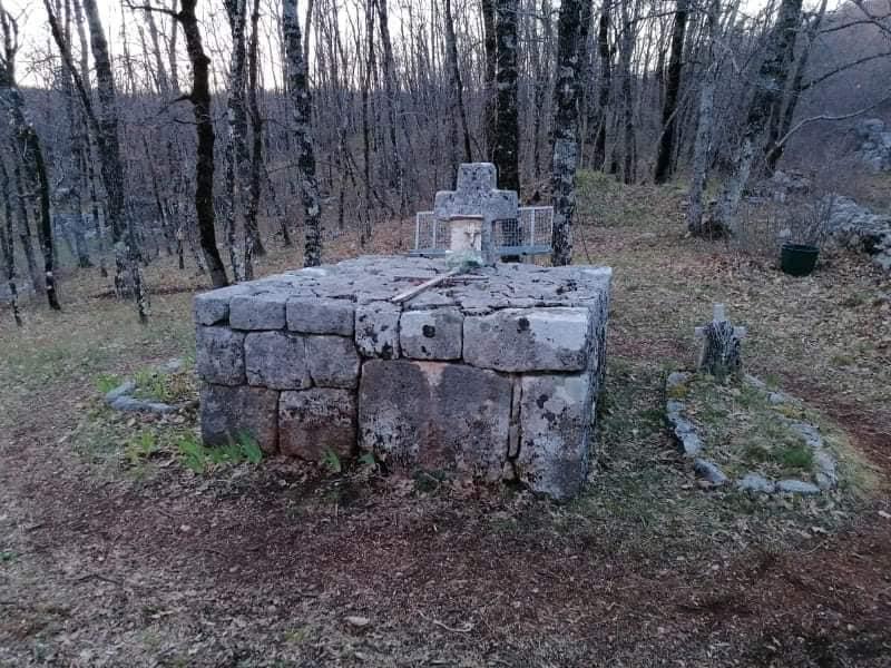 """""""Biskupov grob"""": Zavjetno mjesto brojnih vjernika"""