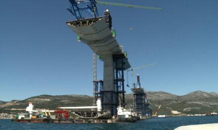 Pelješki most sve više poprima konačni izgled