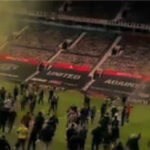 Kaos u Manchesteru: Odgođen derbi s Liverpoolom, navijači upali na Old Trafford