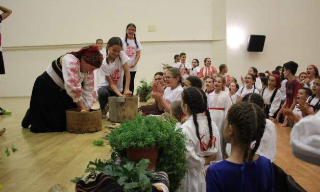 POSUŠKI LITO: MLADI U Posušju čuvaju Tradiciju i Običaje!