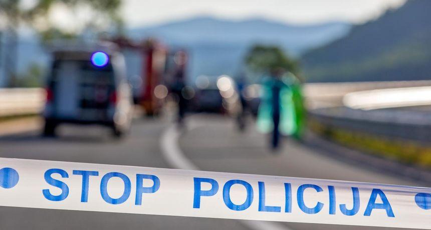 Teška nesreća kod Slavonskog Broda, izletio autobus, troje mrtvih, deseci ozlijeđenih