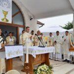 Svečano u župi Vinjani: don Vinko Nenadić proslavio mladu misu