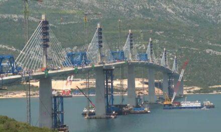 U tijeku posljednje pripreme za povijesni trenutak spajanja Hrvatske: 'Svi su uzbuđeni. Dosta ljudi stavilo zastave na balkone'