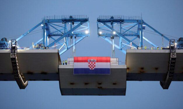 Pelješki most je spojen!