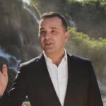 FRANO BAŠIĆ NOVIM SINGLOM PORUČUJE DA JEDVA ČEKA GOSPOJINU