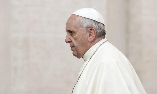 Papa Franjo operiran, dobro je reagirao i osjeća se dobro