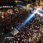 Nekoliko tisuća ljudi uživalo druge večeri Street Food Festa, zabavljali ih TBF i reperi
