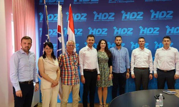 Uspostavljena suradnja Mladeži HDZ-a BiH i Hrvatski svjetski kongres (HSK)