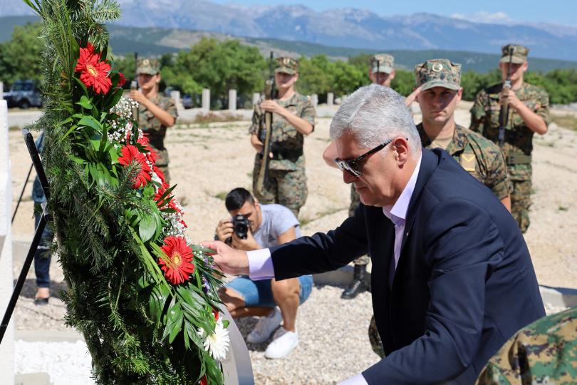 HNS: Sramotni zahtjev upućen RH protiv zapovjednika HV-a pokazuje tko upravlja nekim institucijama u BiH