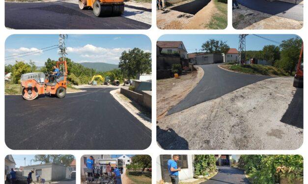 Novi slojevi asfalta postavljeni su u Rakitnu (Zaglavica) i Batinu (Bobani), postavlja se nogostup iznad stadiona