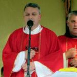 Gradački župnik Fra Valentin Vukoja s Biskupom PALIĆem i četvero svećenika slavi 25. obljetnicu svećeničkog ređenja